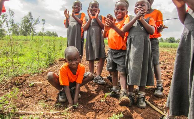 Nyota_Tree-planting-kenya-1305